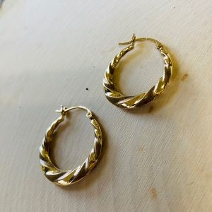 10k Yellow Gold Vintage Twist Hoop Earrings